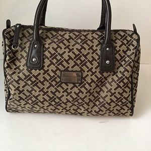 TOMMY HILFIGER: brown tan TH monogram purse